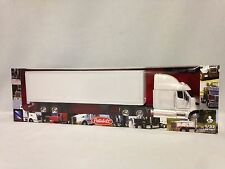 Peterbilt 387 w/ Dry Van Trailer, Collectibles, 1:32 Diecast, New Ray Toy, White
