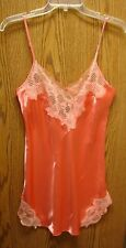 Victoria's Secret V-Shaped Back Short Gown wLace on Top and Hem Size - P, PS