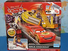 DISNEY PIXAR CARS TOON NINJA KNOCKOUT TRACK SET 2 VEHICLES INCLUDED *BRAND NEW*