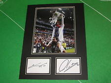 LUKA MODRIC & ALVARO Calvo firmato REAL MADRID 2014 CHAMPIONS LEAGUE WIN MOUNT