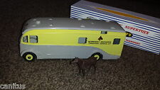 DINKY TOYS №979 NEWMARKET RACEHORSE TRANSPORT HORSEBOX MAUDSLAY c/w BOX