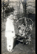 JEUX D'ENFANT / déguisé en PIERROT & POUSSETTE Fleurie , cliché début 1900