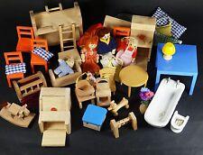 Meubles de maison de poupées - principalement en bois, en bois famille