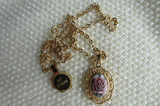 VINTAGE STYLE VICTORIAN ROSE PENDANT NECKLACE GOLDTONE 24 IN. CHAIN