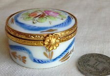 Peint Main Limoges Pill Box France Florals Porcelain Hand-Painted 1 3/8""