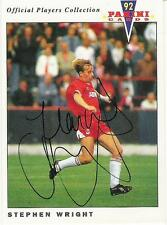 A Panini 92 card featuring & personally signed by Stephen Wright of Aberdeen.