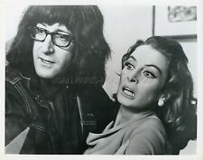PETER SELLERS CAPUCINE WHAT'S NEW PUSSYCAT  1965 VINTAGE PHOTO ORIGINAL #2