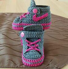 Babyschuhe gehäkelt Handarbeit  Turnschuhe Sneakers Taufe Geschenk ca.10 cm
