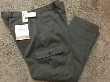 """NWT Men's Dockers """"The Broken In"""" Athletic Fit Stretch Cargo Pants 36X32 MSRP$58"""