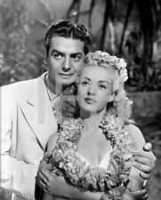 8x10 Print Victor Mature Betty Grable 1942 SOTI #353
