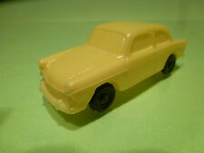 VINTAGE BLOWN PLASTIC VW VOLKSWAGEN 1500 - YELLOW 1:43 - VINYL NO TOMTE
