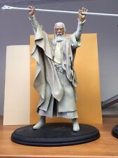 Sideshow LOTR Lord of the Rings Gandalf the White Holding Staff 13inch Statue