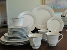 NORITAKE CUMBERLAND 4 - 5 SETTING 20 PIECES