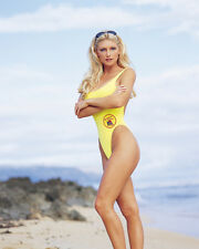 Roderick, Brande [Baywatch : Hawaii] (13843) 8x10 Photo