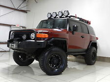 Toyota : FJ Cruiser LIFTED 4X4