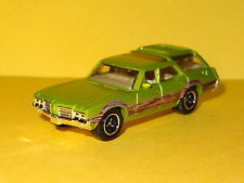1971 OLDSMOBILE VISTA CRUISER WAGON GREEN 1/64 SCALE LIMITED EDITION WITH DOGS B