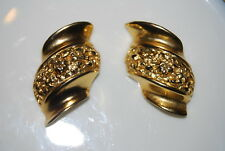VINTAGE COUTURE HEAVY BRUSHED GOLD TONED METAL CLIP EARRINGS WITH HAMMERED LOOK