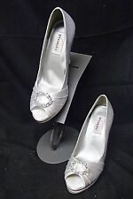 L251s DYEABLES GIANNA WHITE 9B 9 WOMENS HIGH HEEL WEDDING RHINESTONE SHOES
