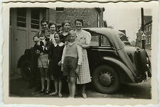 PHOTO - VOITURE GROUPE TRACTION CHIEN - CAR FAMILY DOG FUNNY - Vintage Snapshot