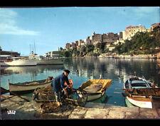 BASTIA (Corse) PECHEUR avec CASIER de PECHE & BARQUE Ste-CATHERINE au PORT