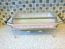 VINTAGE PYREX GAIETY PINK DAISY CASSEROLE SPACE SAVER + WARMING STAND BOXED