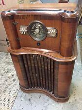 Wonderful Zenith 5808 1940 Radio Cabinet