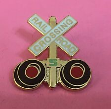 Railroad Hat-Lapel Pin/Tac -Crossing gate signal/ crossbucks  #1464-NEW