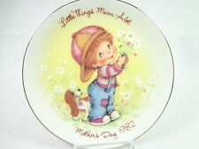 Vintage Avon Mother's day Porcelain Plate Little things Mean a lot 1982 NWB