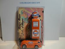 Hot Wheels So Co Customs Orange Gulf Haulin Gas Bus w/Gas Pump