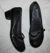 INDIGO by CLARKS soft leather with plaid fabric section Mary Jane shoes 8.5 MINT
