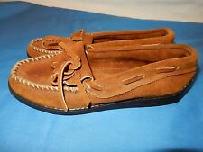 Size 5 Brown Minnetonka Moccasins Slipper Shoes