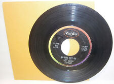 "Vintage 45 RPM Vinyl Record-The 4 Seasons ""Big Girls Don't Cry"""