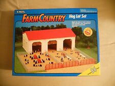 Ertl Farm Country Toy Machines Hog Pig Lot Building Barn Set MIP 1/64!! Tractor