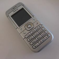 Téléphone mobile NOKIA 6030 RM74 avec cordon et chargeur
