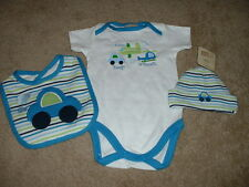 Crazy 8 Tiny Traveler Bodysuit Hat Bib Set Size NB Newborn 7lb NWT NEW Baby Boys