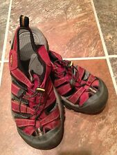 KEEN Newport H2 Waterproof Sport Sandals Red/Maroon Women's Size 7.5-8