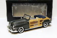 1:18 Motor City Classics Chrysler Town & Country green NEW bei PREMIUM-MODELCARS