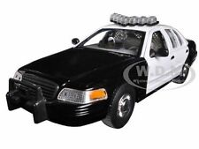1999 FORD CROWN VICTORIA POLICE CAR BK/WT W/CASE 1/24 BY WELLY SH2082S-BSW