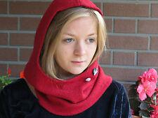 ♥ Kapuzenschal /Mütze +Loop ~Walkwolle/Walk-Wolle: Rot *Stoff-Knopf:Weiß-Schwarz