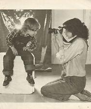 COUPURE de presse PHOTO CLIPPING  SYLVIA KRISTEL et son fils Arthur ..