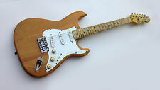Fender Squier Stratocaster Aged Natural 70's Vintage Modified Relic Guitar