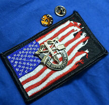 US ARMY DE OPPRESSO LIBER SPECIAL FORCES DISTINCTIVE INSIGNIA PIN + WARTORN FLAG