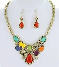 MULTI COLOR RHINESTONE WITH GLITTERED LUCITE FACETED STUD NECKLACE EARRING SET