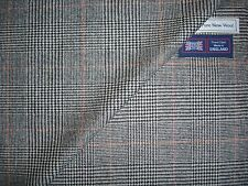 100% PURE WOOL CLASSIC SUITING/JACKETING FABRIC - MADE IN ENGLAND - 2.35 m.