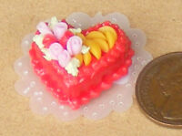 1:12 Scale Cake + Strawberry Icing Dolls House Miniature Bakery Accessory NC42