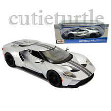 Maisto 2017 Ford GT 1:18 Diecast Model Car 31384 Silver with Stripes