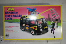DC COMICS BUS PLAYSET FOR RETRO 8 INCH FIGURES, BATLAB W EXCLUSIVE PENGUIN MISB