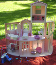 Mattel 2006 BARBIE 3-Story Pink Dream House With Sounds & play furniture toys
