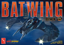 AMT 1/25 Batman Batwing W / Bonus Backdrop Display PLASTIC MODEL KIT 948