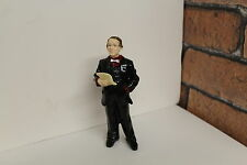 DOLLS HOUSE =  RESIN FIGURE = Suited Gent Saying  A Speech